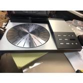 Bang & Olufsen 8002 turntable